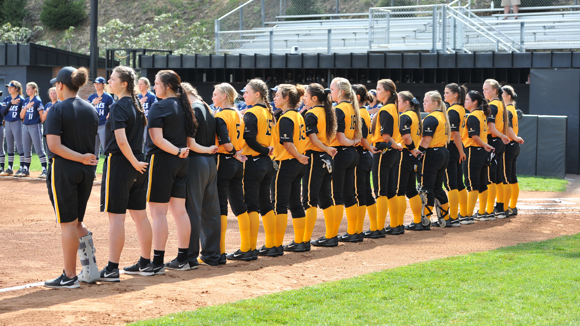 Softball Hits the Road for First Tournament of the 2018 Season